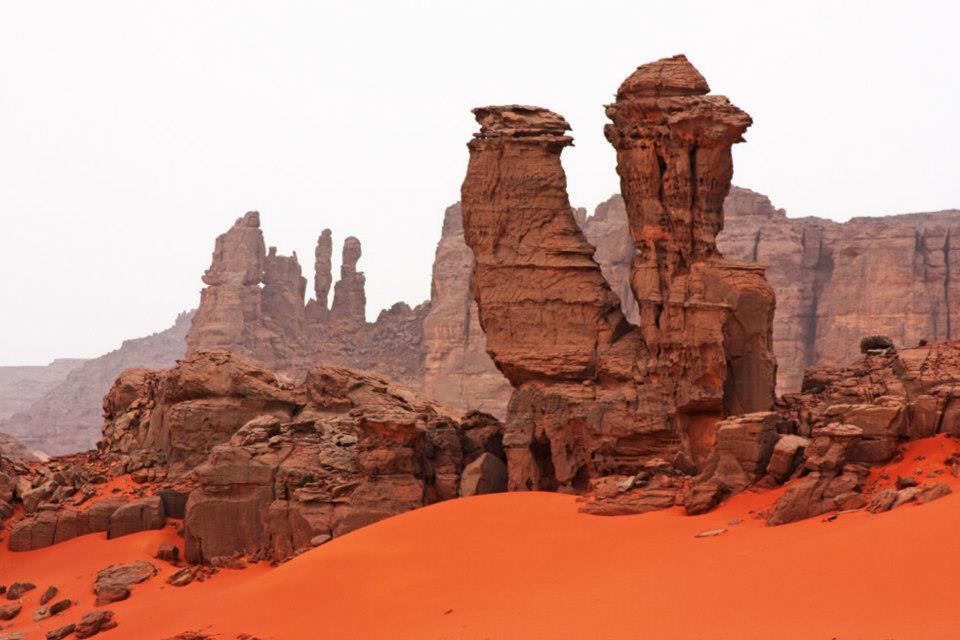 Algerie - Sahara - tadrart rouge