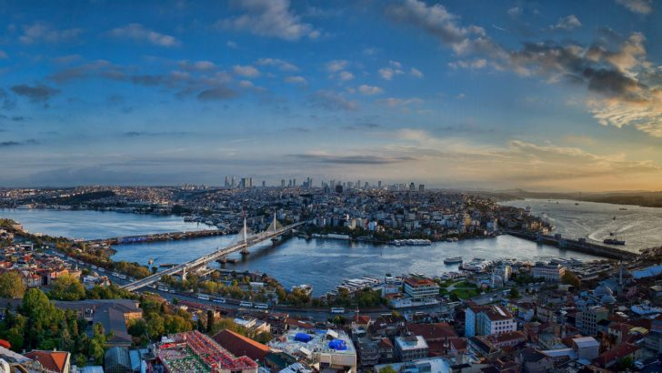 82 million people in Turkey