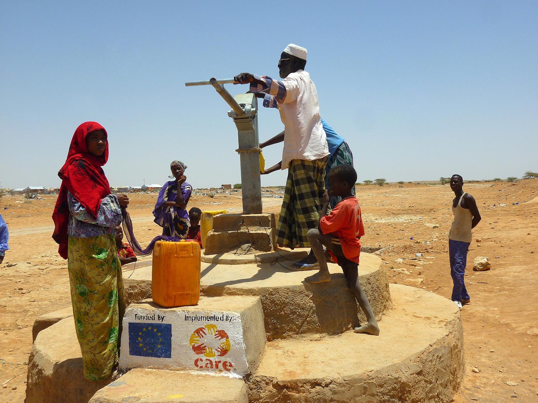 Point d'eau dans un camp de déplacés, Garowe, Pount, avril 2013